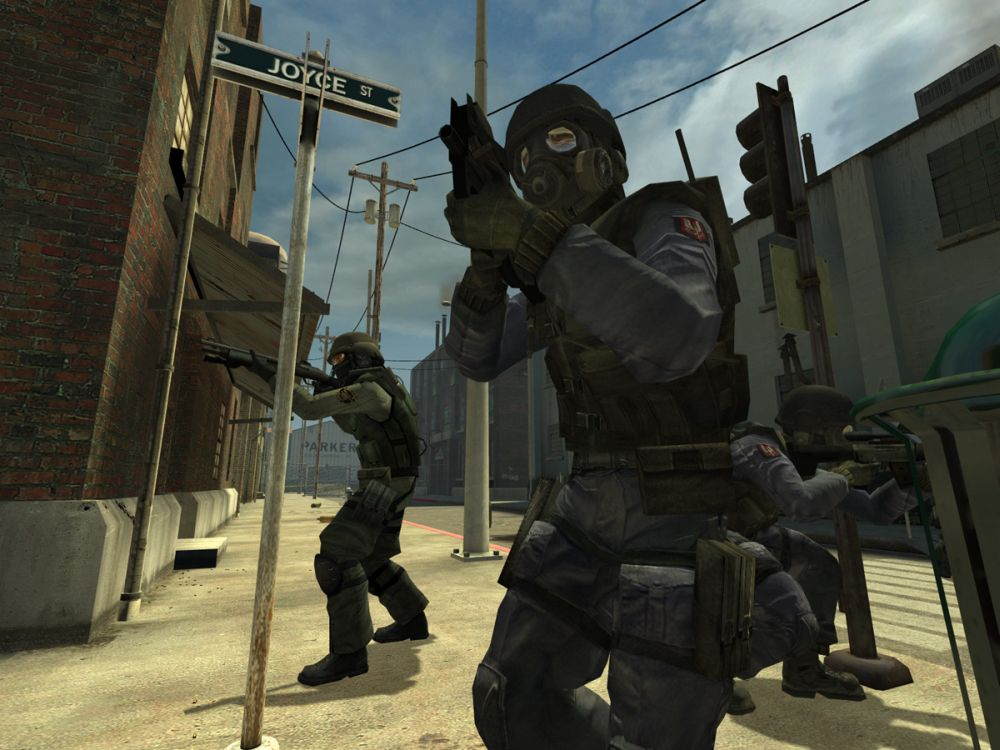 Counter Strike: Source Screenshot-5